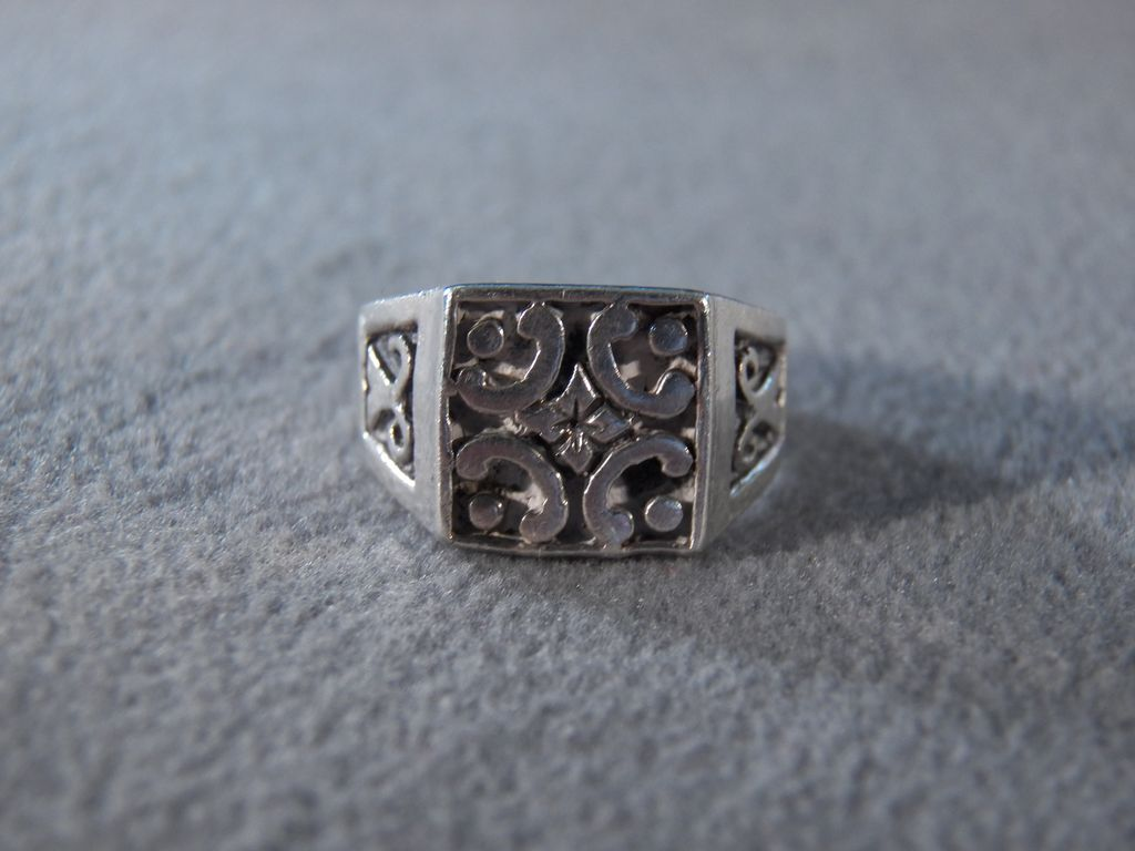 Vintage Sterling Silver Fancy Etched Scrolled Filigree Bold Square Band Ring, Size 8