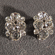 Vintage Designer Signed Weiss Multi Round Rhinestone Clip On Earrings