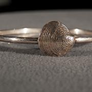 Vintage Sterling Silver Fancy Etched domed Sea Shell Closure Bangle Bracelet