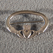 Vintage Sterling silver Irish Claddagh Wedding Shaped Classic Pin Brooch