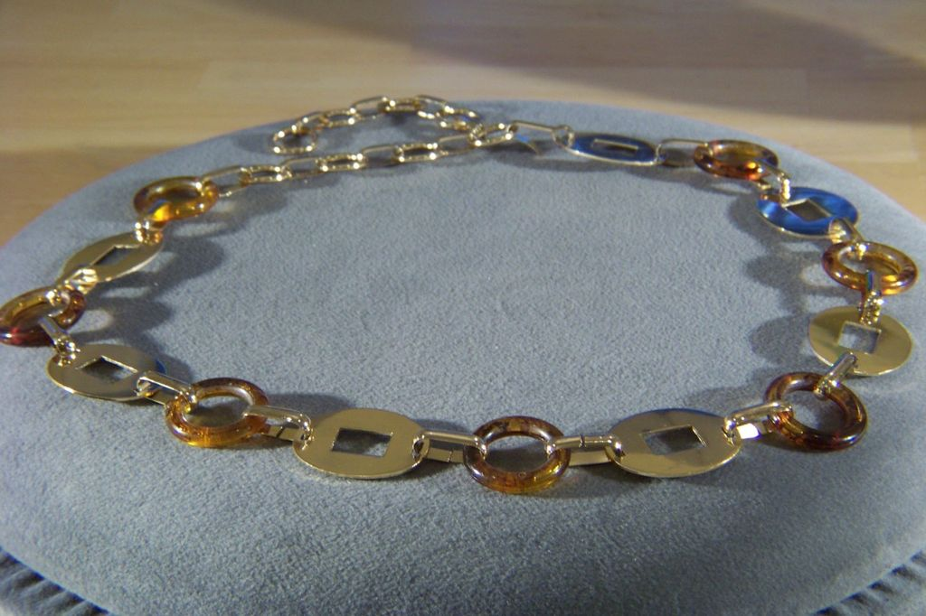 Vintage bold yellow gold tone Lucite link chain belt