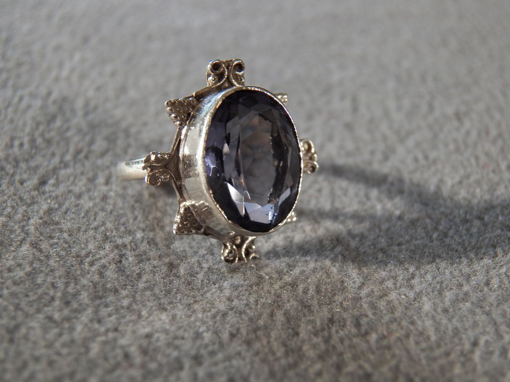 Vintage Sterling Silver  Oval Iolite Fancy Filigree Etched Scrolled Bold Band Ring, Size 5.5