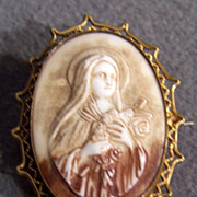 Vintage  12 K Yellow Gold Filled   Large Oval Religious figural Cameo Pin      W