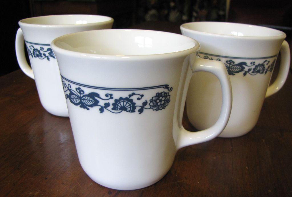 Set of Three Mugs 1970's Corning Pyrex Old Town Blue Onion