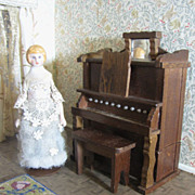 Adorable Shackman Musical Box, Perfect Scale for Doll House