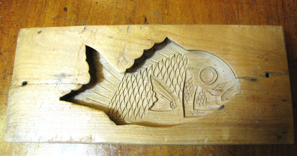 Beautiful Hand Carved Antique 2 Part Wooden Kashigata Mold, Fish Design