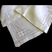 SALE Nice Vintage Linen Embroidered & Appliqued Tea Tablecloth