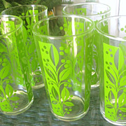 SALE Five Retro Green Leaf Design Tall Tumblers