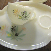 Four Lovely Snack Sets in the Atomic Flower Pattern by Federal Glass