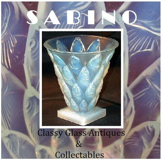 Sabino Paris 1930s  French Art Deco Vintage Original Opalescent Crystal Glass Vase Poissons. Fully Signed
