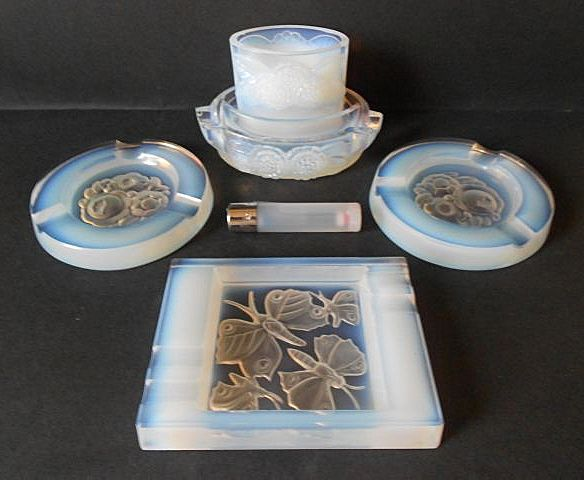 Gorgeous 1930's French Opalescent Glass Smokers Ashtray & Companion Set.