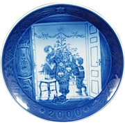 2000 Royal Copenhagen Christmas Plate - Trimming the Tree