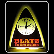 SALE Vintage 1970 Blatz Beer Light & Clock Runs & Works