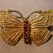 Classy 14K Yellow Gold Butterfly Brooch With Rubies