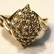 Beautiful 10K Cluster Diamonds  Ring with Baguettes