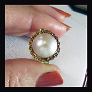 SALE 18K Yellow Gold Cultured Mabe Pearl Ring Designed by Rojola of Italy, Size 7 1/4