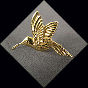 SALE 14K Yellow Gold Hummingbird Pin