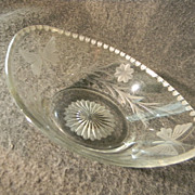 Heisey Butterfly and Flower Condiment Bowl Pat. No. 1917
