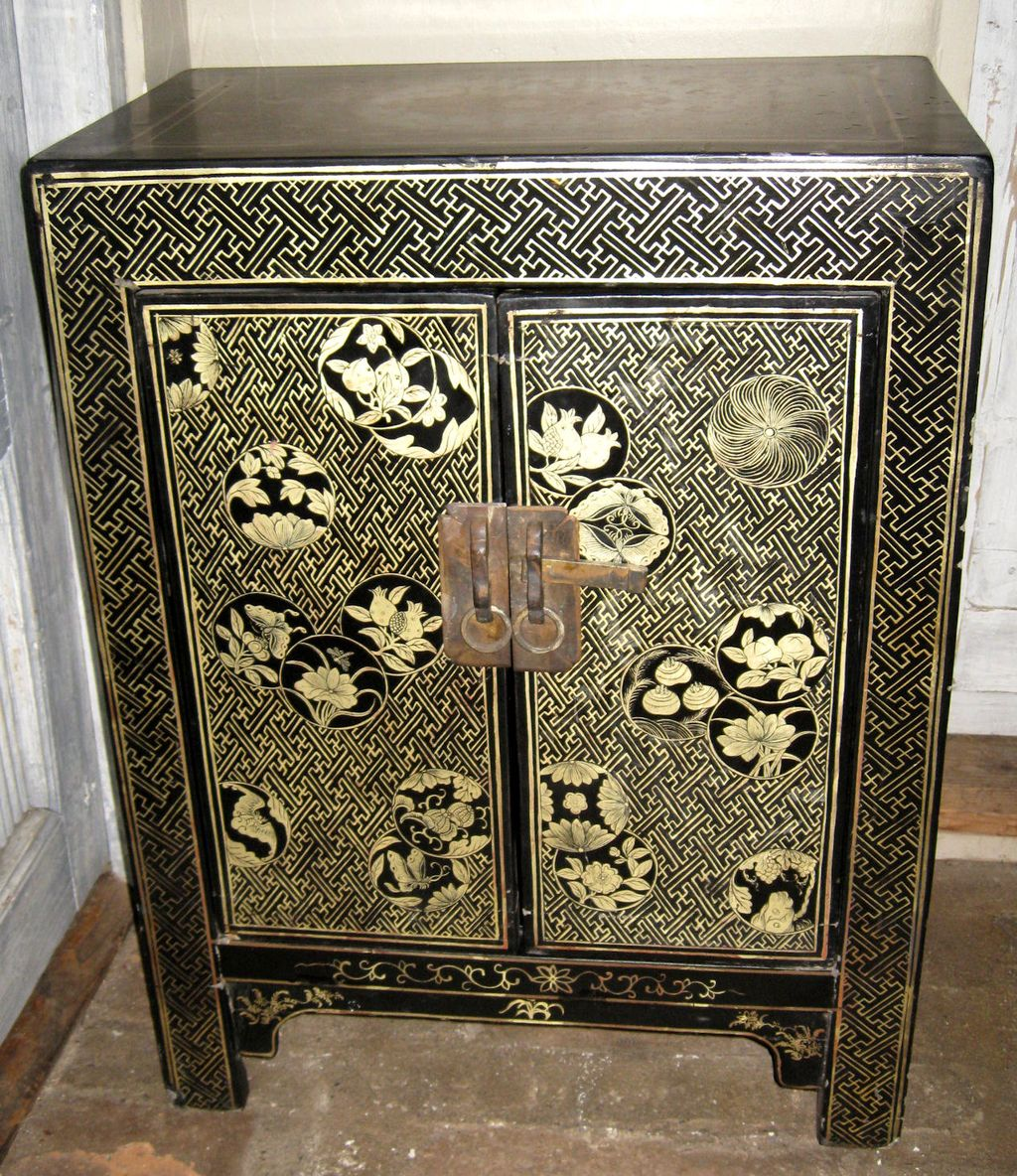 CHINESE ANTIQUE GILT PAINTED WOOD CARVING ELDER