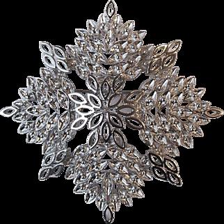 SALE Vintage Monet Silver Tone Snowflake Starburst Pin Brooch