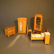 Antique Miniature Bedroom for your Dollhouse by Schneegas