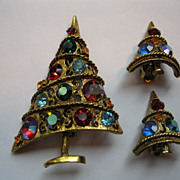 Vintage Signed Weiss Christmas Tree Pin/Broach and Clip Earrings
