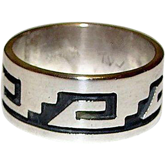Vintage Native American Hopi Terry Wadsworth Sterling Silver Ring Size 9 Tribal Design