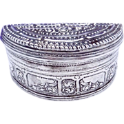 Vintage Ethnic 900 Silver Hinged Small Trinket Jewel Snuff Box Crescent