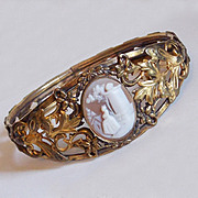 Fabulous Victorian Carved Shell Cameo Antique Estate Bangle Bracelet for Small Hand