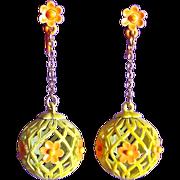 Fabulous FLOWER POWER Filigree Enamel Sphere Dangle Vintage 1960s Earrings