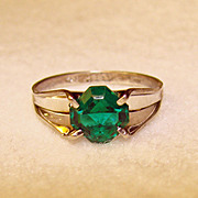 Fabulous UNCAS STERLING Vintage Green Glass Stone Estate Ring