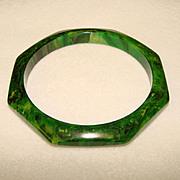Fabulous GREEN BAKELITE  Octagonal Marbled BANGLE BRACELET