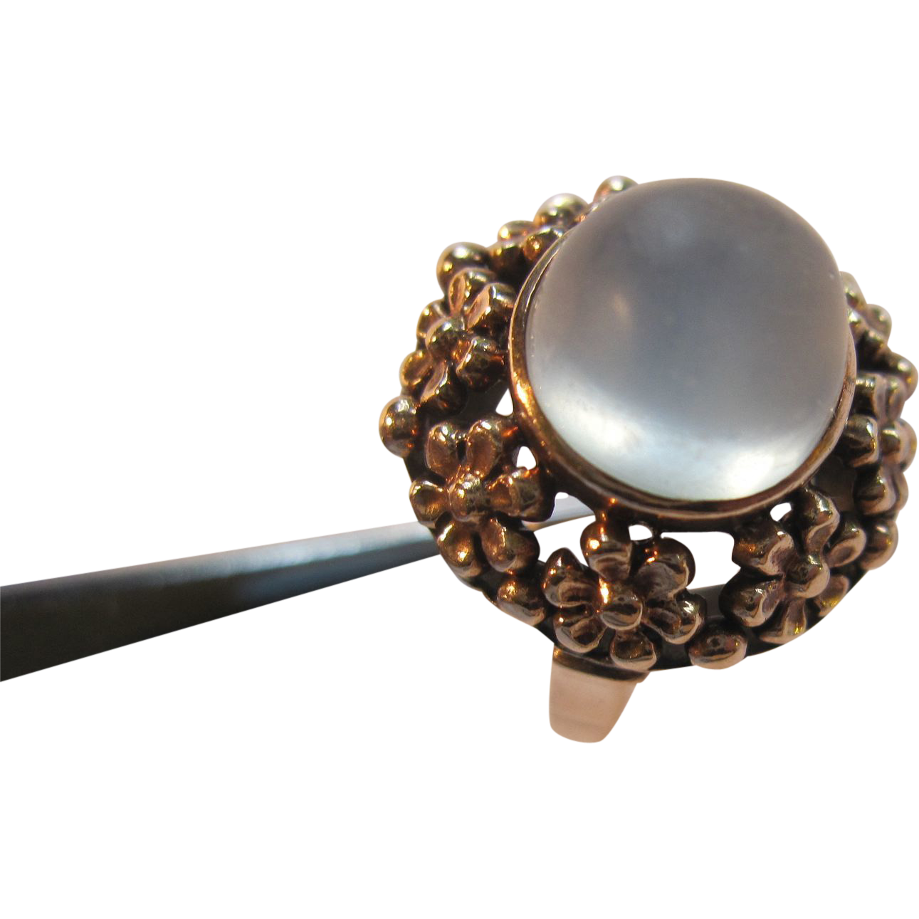 14k gold moonstone ring from rubylane sold on ruby