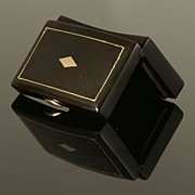 Fine Georgian French Tortoiseshell Snuff Box with Gold Inlay