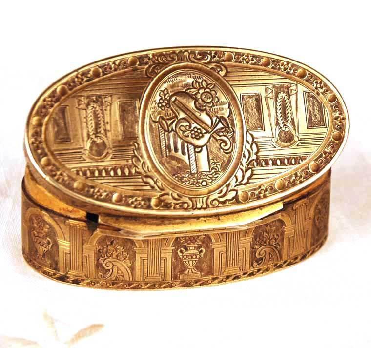 Antique Gilded Brass/Copper Tobacco/Snuff Box