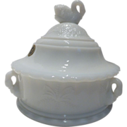 Vintage Westmoreland Swan Milk Glass Lidded Candy Dish