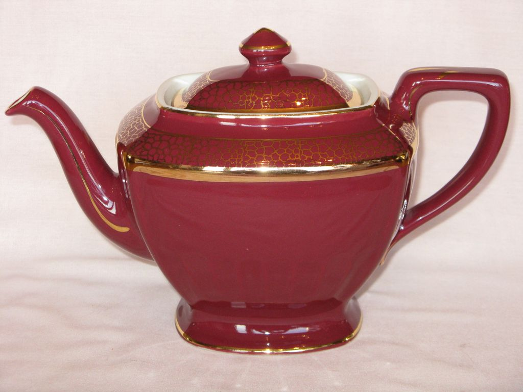 Hall China Hollywood Maroon with Standard Gold Teapot