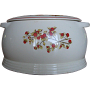 Universal Potteries Bittersweet Covered Casserole
