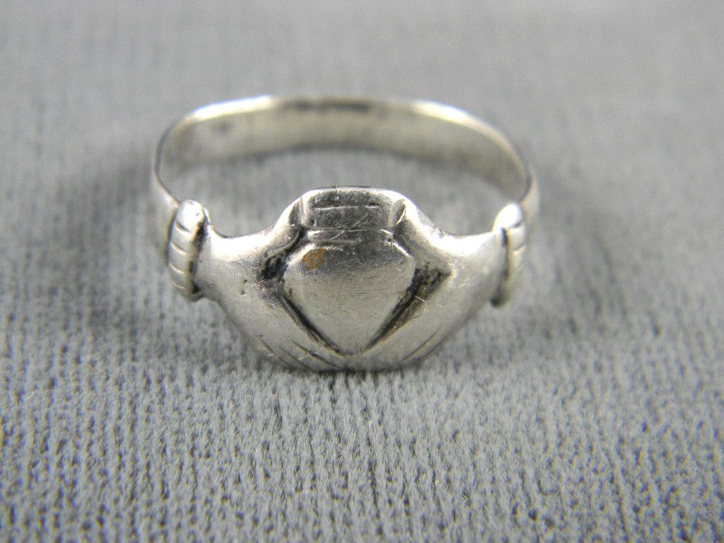 handmade sterling claddagh ring from rubylane sold on ruby