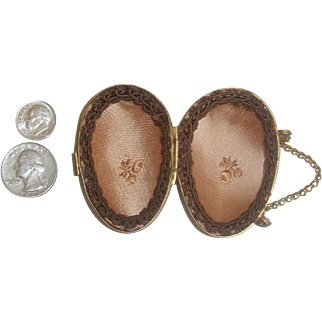 Ormolu Egg Purse for Your French Doll!