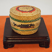 Vintage Northwestern Makaw Basket
