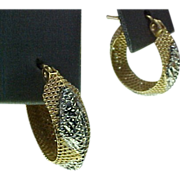 REDUCED Vintage 14K Gold Two Tone Filigree Pierced Small Hoop Earrings