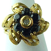 SALE Vintage 18K Yellow Gold Sapphire Flower Ring