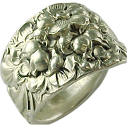 Vintage Sterling Silver Solid  Kirk & Son Repousse Spoon Ring ~ High Relief ~~