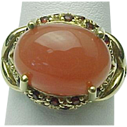 10K Yellow Gold Peach Moonstone & Garnet Ring ~ Circa 1980's