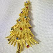 "Vintage Christmas Tree Pin Goldtone Signed ""JJ"""