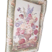 Floral Bouquet Scene Lined Tapestry with Hanging Sleeve