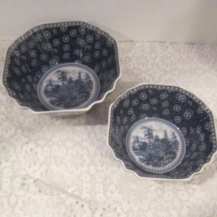 Vintage Pair of Blue & White Oriental Bowls