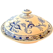 Antique Villeroy & Boch Saxony Blue Onion Covered Bowl