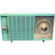 G.E. Table Top AM Radio in Blue/Green Pastel 1950's